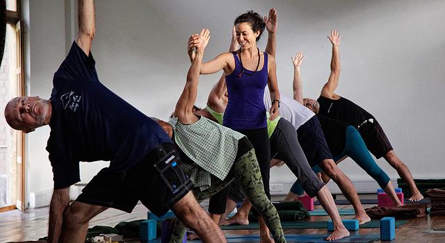 bhutan yoga retreat